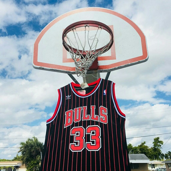 buy online ef592 5f188 SCOTTIE PIPPEN CHICAGO BULLS THROWBACK JERSEY NWT